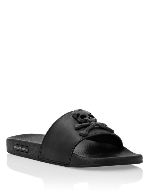 Philipp Plein Flat gummy sandals Skull and studs